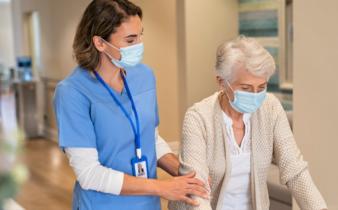 Quels sont les avantages de se faire soigner dans les centres de santé?